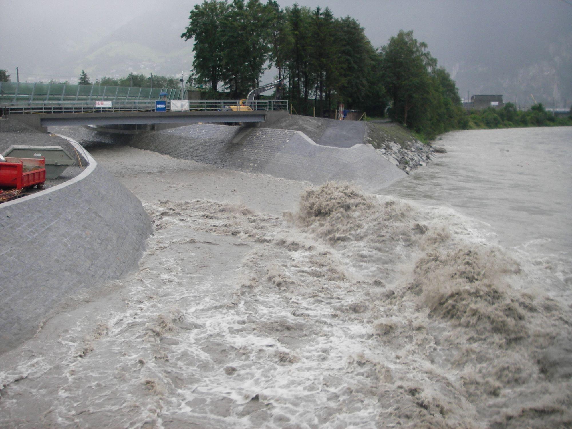 4_Schaechenmuendung_nacher_bei_Hochwasserabfluss2.JPG
