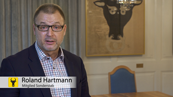Roland Hartmann vom Sonderstab COVID-19: «Wenn Sie Corona-Symptome haben, also Fieber, Hus-ten, Halsschmerzen, Kurzatmigkeit, Brustschmerzen, Verlust des Geruchs- und/oder Geschmacks-sinns: lassen Sie sich testen!» (Screenshot: Focuspictures)