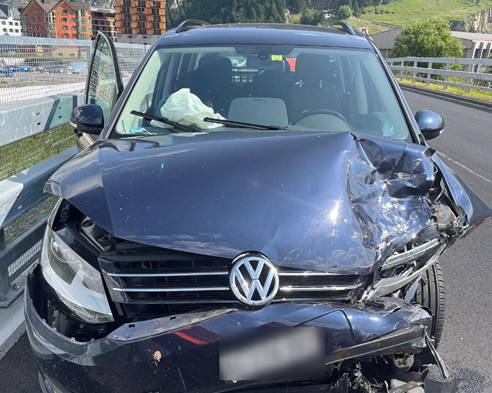 Andermatt: Auffahrunfall mit zwei Personenwagen - niemand verletzt