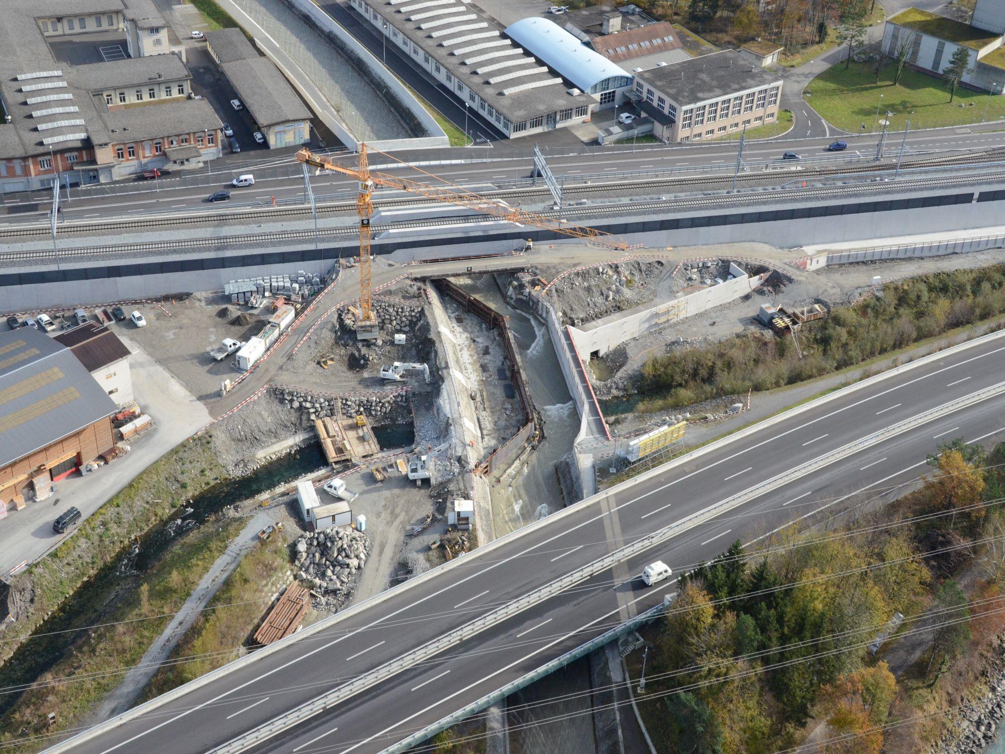 5_Uebersicht_Baustelle_Durchlass_Stille_Reuss2.JPG
