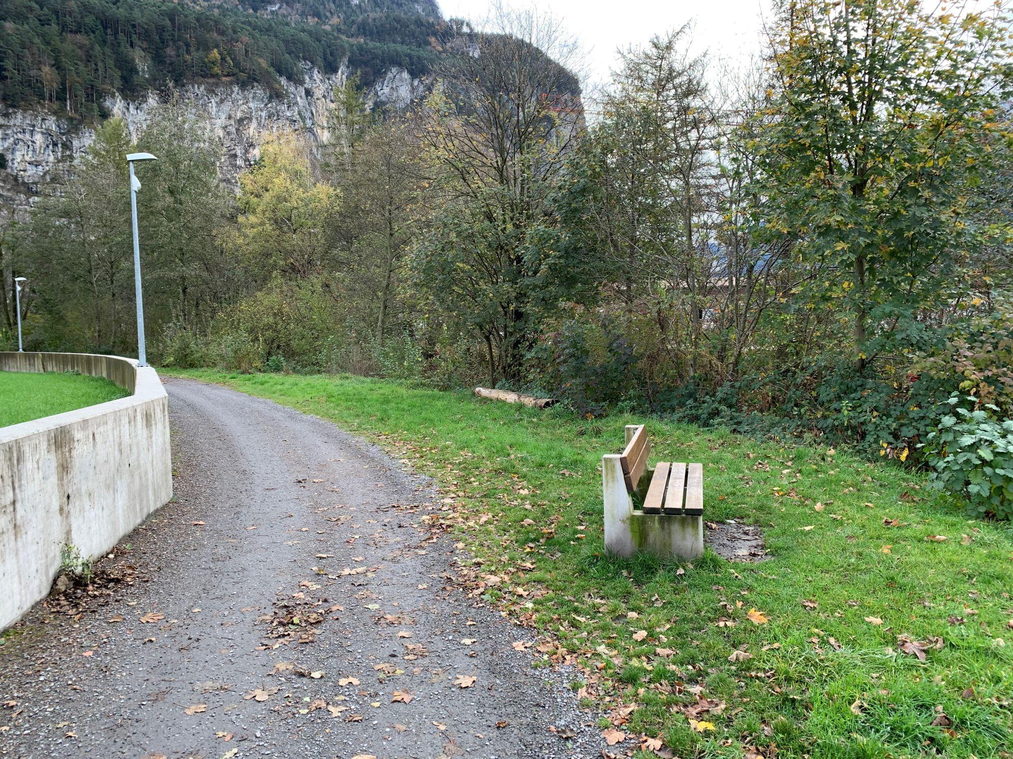 4_Hochwasserschutzmauer_Tellpark2.JPG