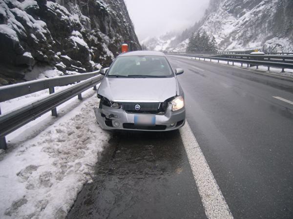 Selbstunfall auf der Autobahn A2