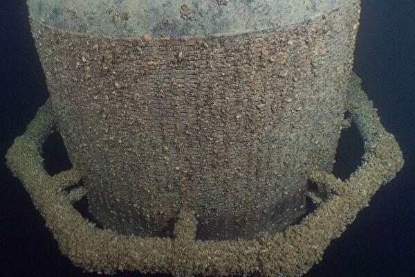Quaggamuschelbefall an einem Ansaugkorb vor einer Entnahmeleitung (Foto: Pascal Montagner)