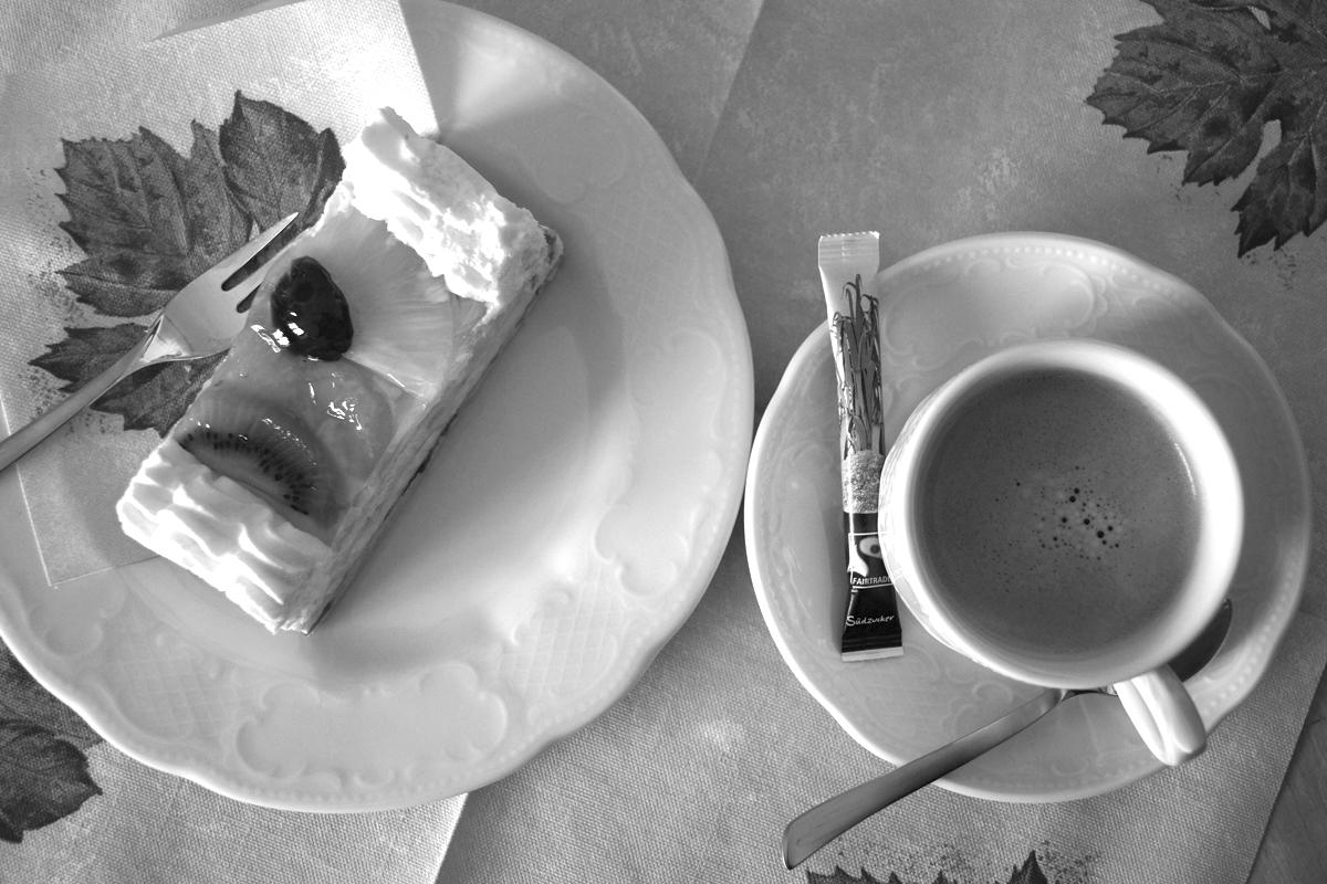 Bild Kuchen und Kaffee