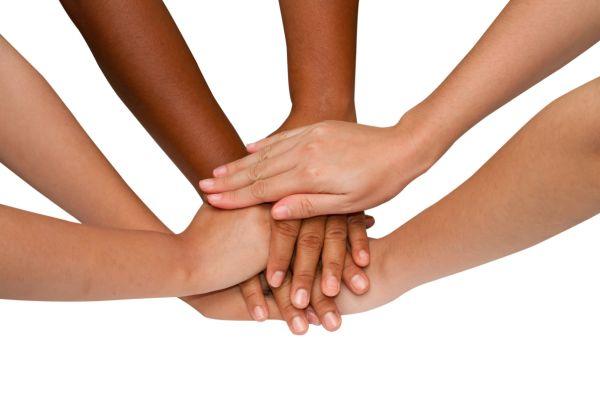 Hände, die zusammenhalten