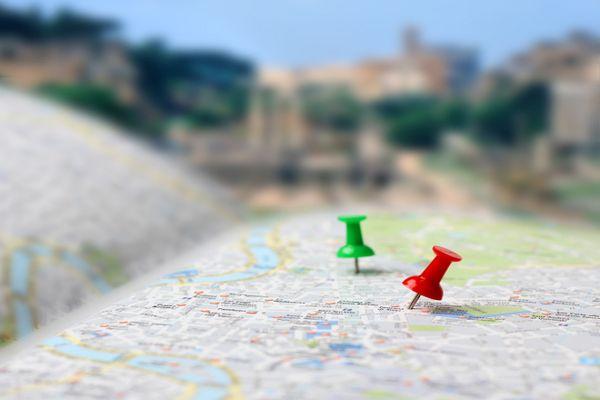 Karte einer Stadt mit Markierung