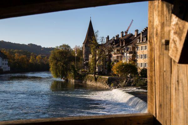 Blick von der Holzbrücke Richtung Hexenturm