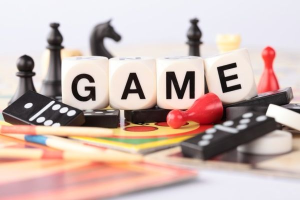 Brettspielfiguren bunt gemixt