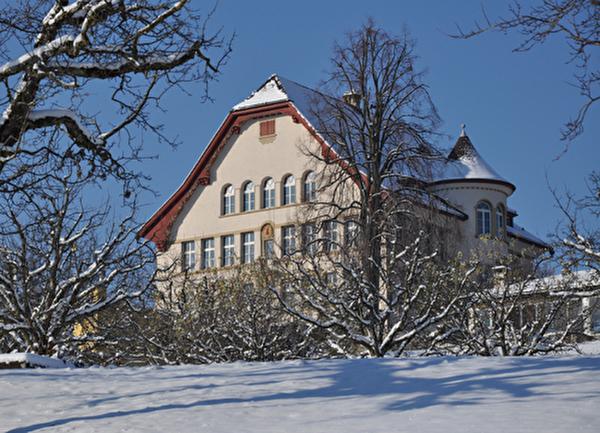 Schulhaus Breiten