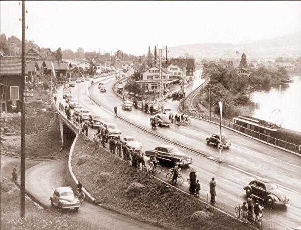 Erster Autobahnabschnitt bei Ennethorw