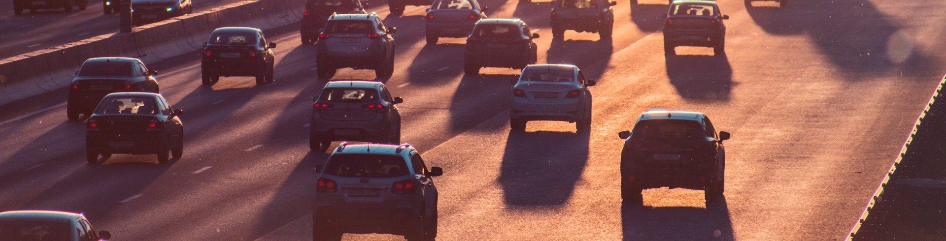Verkehr Photo by Alexander Popov on Unsplash