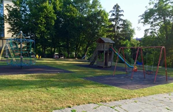 Spielplatz beim Stadthaus