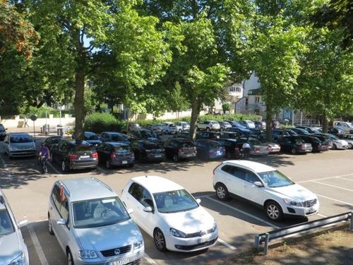 Schützenparkplatz von Kaiserstrasse her