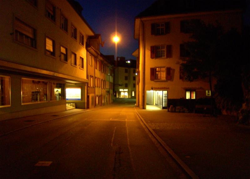 Nachtaufnahme der Fröschweid vor der Sanierung