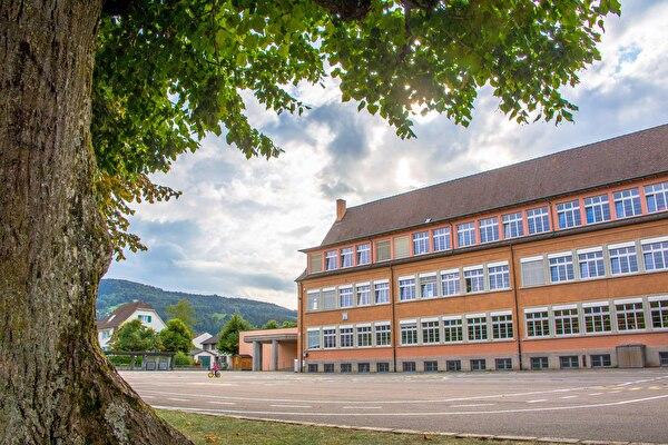 Schulhaus Neumatt