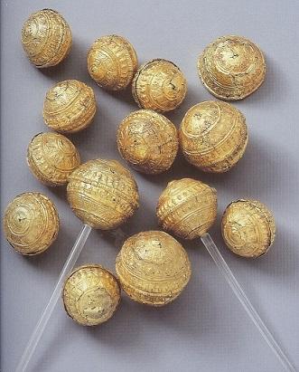 Foto keltische Goldkugeln