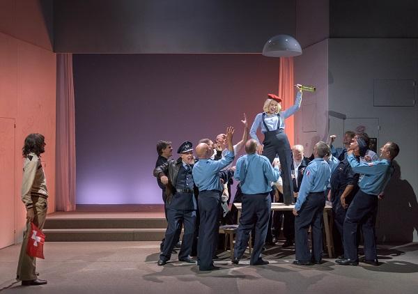 Szene aus einer Aufführung des Theaters Biel Solothurn
