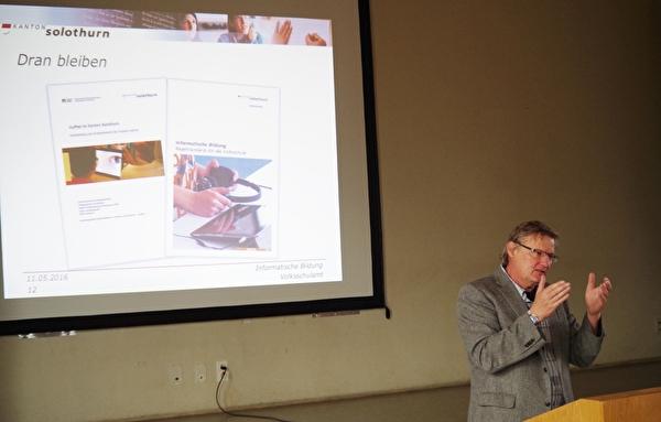 Andreas Walter, Chef Volksschulamt, referierte über die Informatische Bildung als Bildungsschwerpunkt
