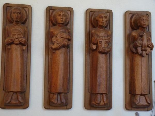 Holzfiguren in der kath. Kirche