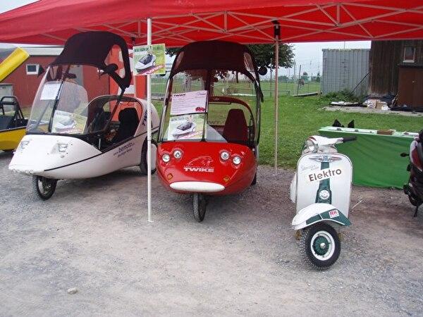 Bild von verschienden Fahrzeugen