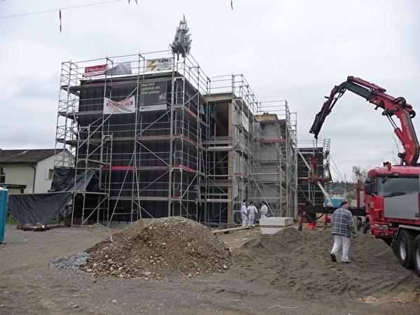 Das neue Schulhaus im Feld wird gebaut