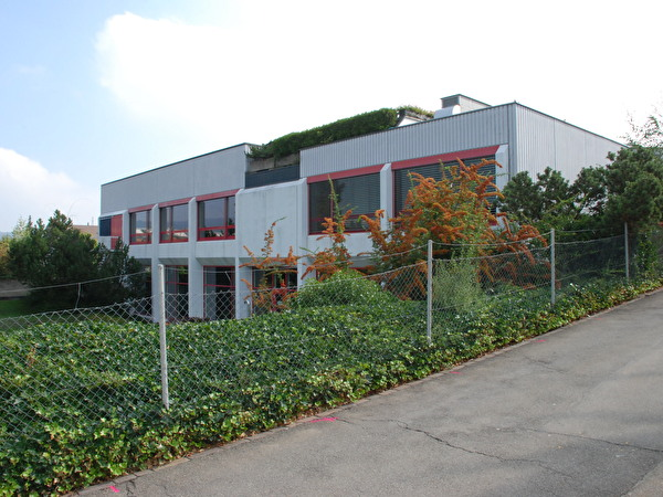 Mehrzweckgebäude / Hallenbad Leepünt
