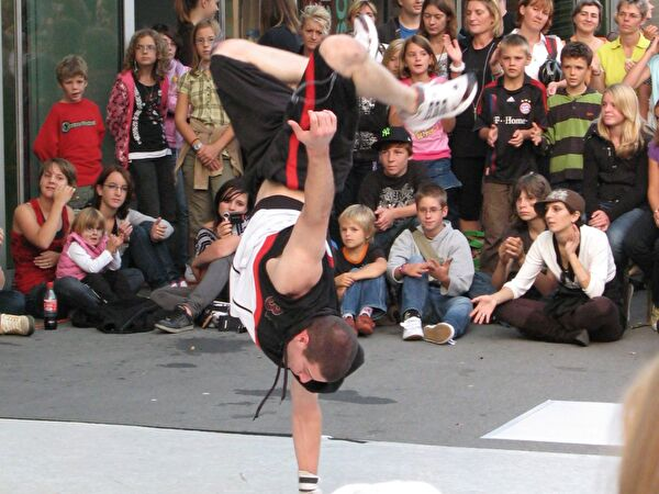 Breakdance-Show mit DIRTY HANDS