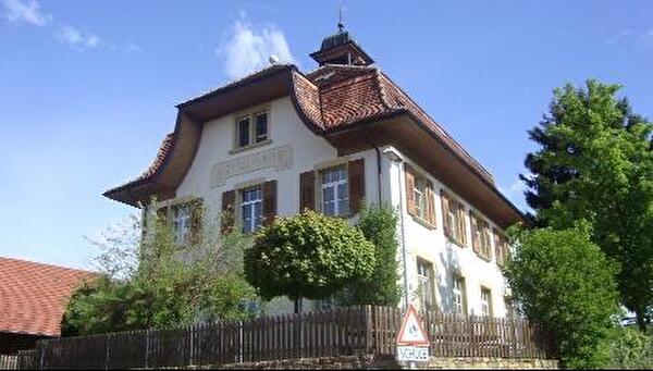 Schulhaus Jeuss