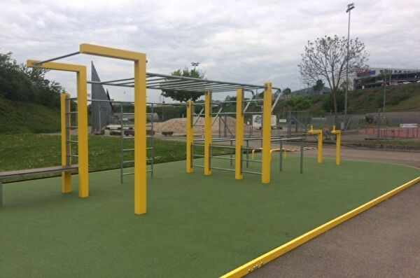 Gemeinde Pratteln Street Workout Anlage Gesundheit Bewegung Sport Spass Sandgrube