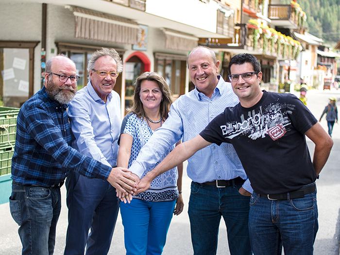 Gemeinderat Saas-Fee: Helmut Imseng, Tobias Zurbriggen, Christa Bumann, Roger Kalbermatten, Markus Supersaxo