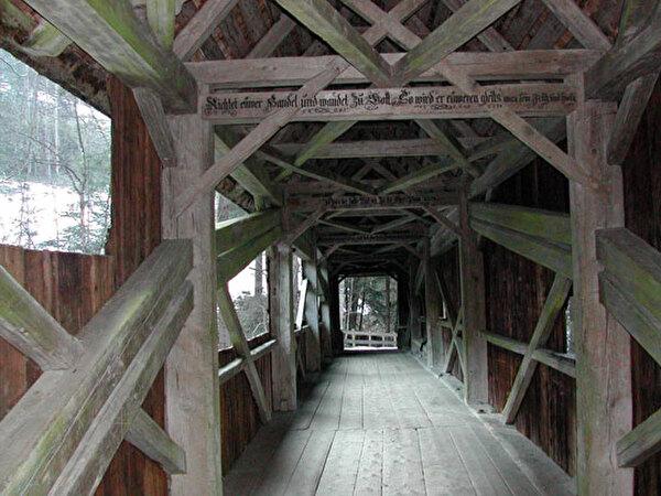 Brücke im Hundwildertobel