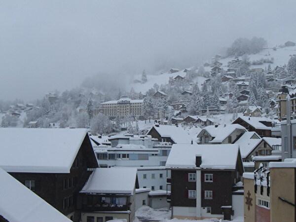 Dorf Engelberg im Winter