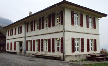 Schulhaus St. Niklausen