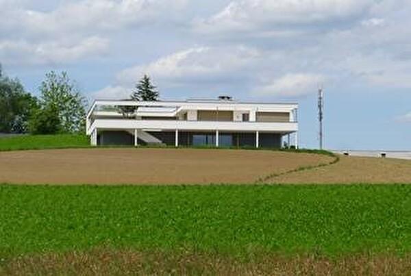 Wohnhaus im Stil von Corbusier