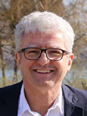 András Özvegyi, Grossstadtrat