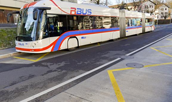 Bushaltestellen werden hindernisfrei nutzbar
