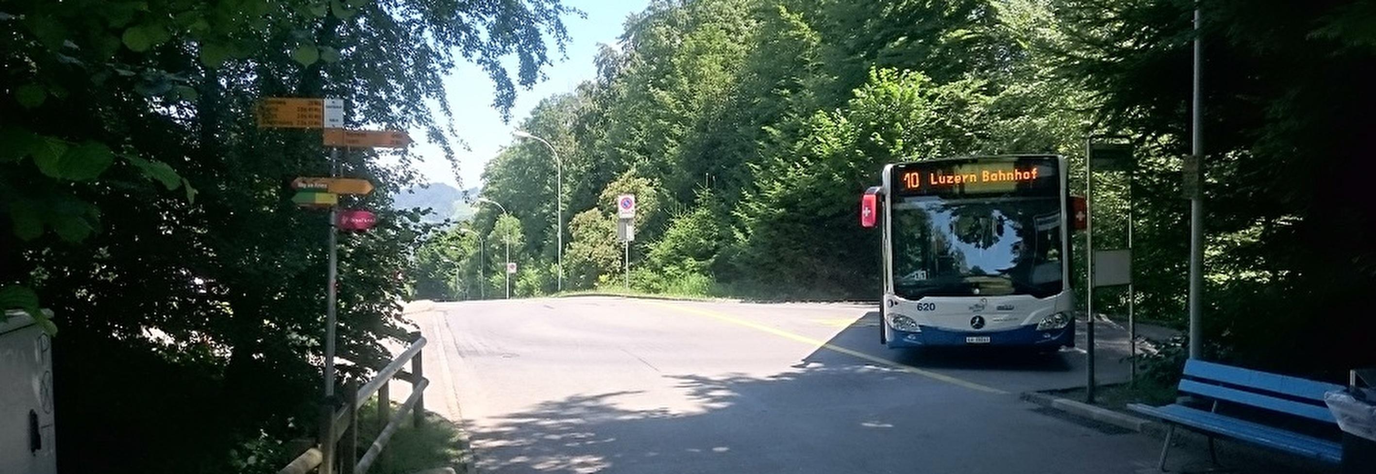 Busendhaltestelle Obergütsch