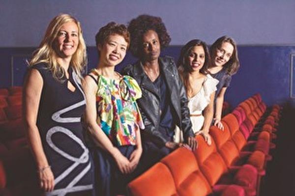 Regisseurin Barbara Miller (links) mit ihren Hauptdarstellerinnen von #Female Pleasure.