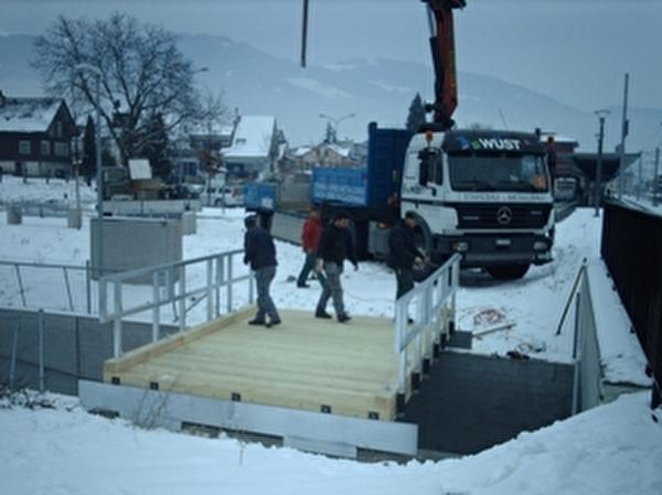 Mobile Brücke probehalber aufgebaut
