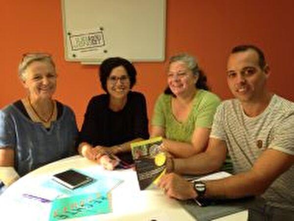 Das OK Kinderrechte (von rechts: Veronika Bertolini, Marion Heeb, Ruth Zai und Simon Stieger) freut sich auf spassige Events.