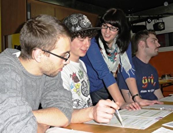 Seit Jahren ehrenamtlich dabei: Laura Bucher als Mitleiterin des Workshops (Foto vom Frühjahr 2011)