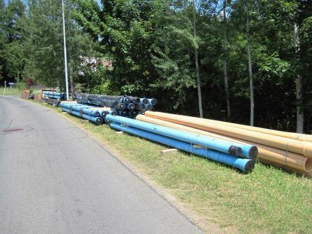 Lager Wasserleitungen am Strassenrand