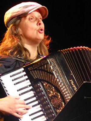 Olga Tucek, 2. Oktober