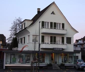 Bild Geschäftsgebäude Coiffure Enz