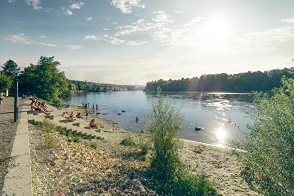 Schwimmen im Rhein, Rheintreppe