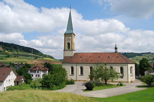 Sulz mit Kirche St. Peter und Paul