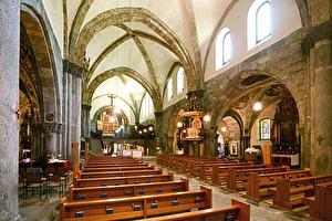 Die Kathedrale von Chur ist das Wahrzeichen des ältesten Bischofsitzes nördlich der Alpen.