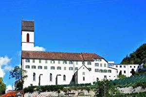 Kirche St. Luzi von aussen und von innen