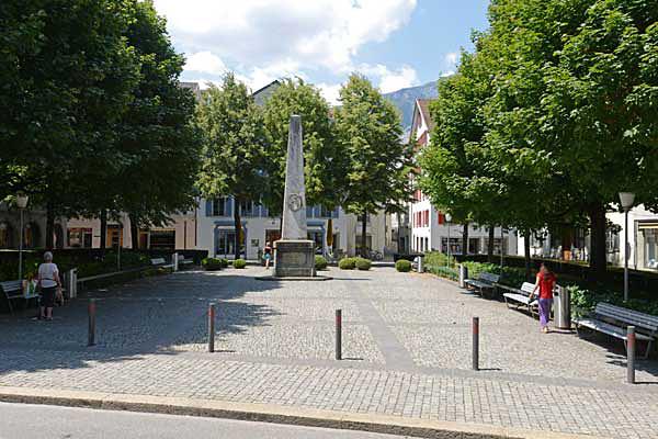 Der Regierungsplatz zwischen Reichsgasse und Vazerolgasse.
