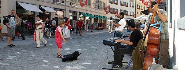 Strassenmusikanten in der Poststrasse.